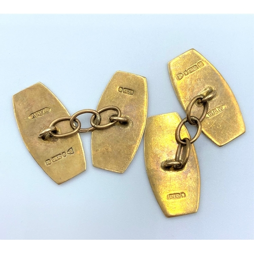 18 - A pair of vintage 9ct Gold Cufflinks 5.1g...