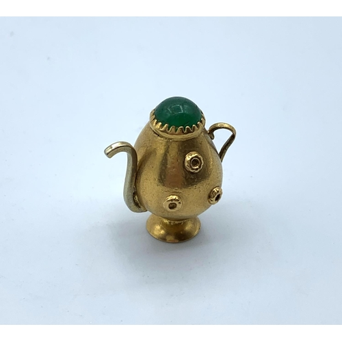 52 - 9k Yellow Gold Vintage Teapot Pendant, weight 5.3g and 2.5cm tall...