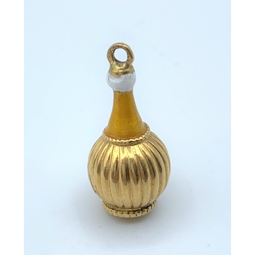 58 - 9ct Gold Vintage Bottle Charm/Pendant, weight 2.5g and 2cm tall...