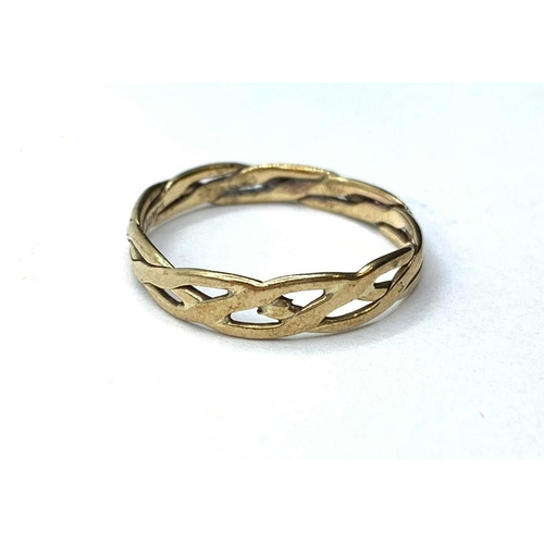 275 - 9ct gold twist band RING. 2.1g.  Size W