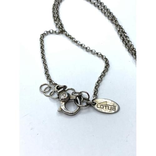 492 - Silver PENDANT on chain.  9.5g  40cm