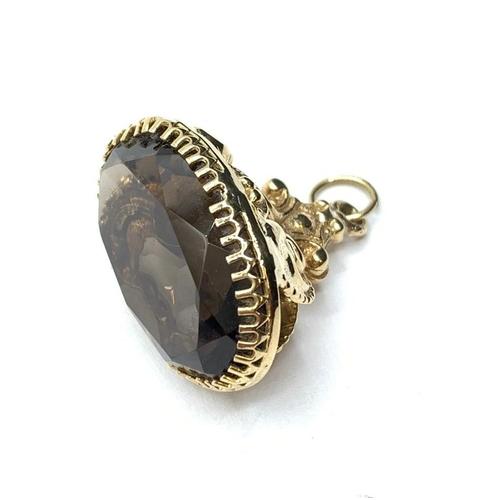 534 - Vintage yellow metal seal pendant/charm with smokey Quartz stone.  10.6g