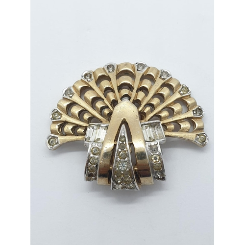 393 - Vintage art deco style clip in yellow and white metal