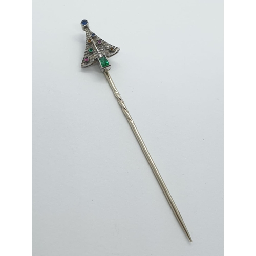 450 - Antique 18ct golf Christmas STICKPIN with semi precious stones.