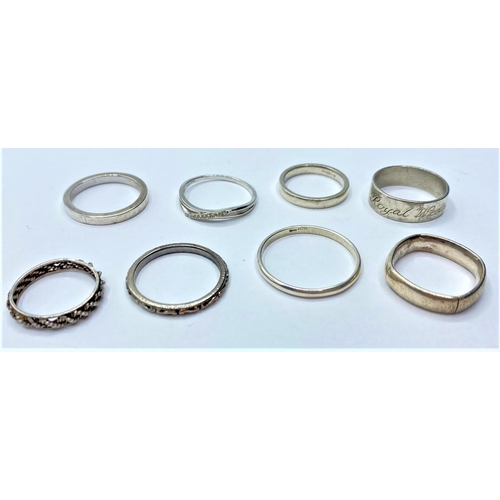 386 - Assortment of 8 x silver BAND RINGS.  20g.