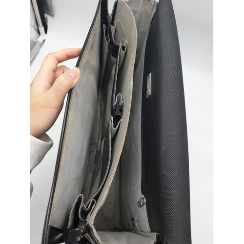 318 - Lacoste LAPTOP BAG with shoulder strap/  39 x 30 cm. A/F