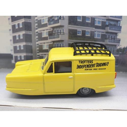 547 - Del Boys Reliant Robin  3 Wheeler Van.  1/43 scale Diecast Replica.