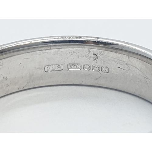 553 - 18CT W/G DIAMOND SET BAND RING, WEIGHT 5G AND SIZE M