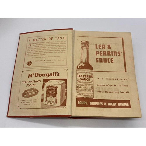 665 - Mrs Beeton's COOKERY BOOK.  384 Pages.  Early edition.