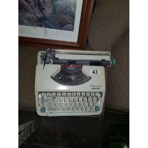 43 - old type writer working...