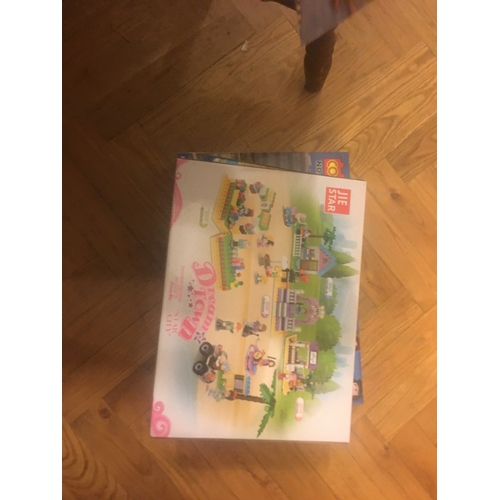 18 - New Lego Dream town Toy...