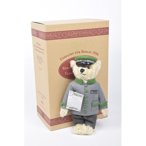 15 - A boxed Steiff 655425 teddy bear 'Berliner Morgenpost' Blonde, growler, limited edition 1135/1500 wi...