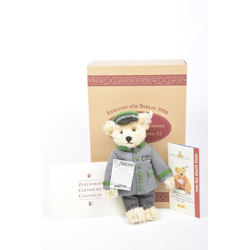 16 - A boxed Steiff 655425 teddy bear 'Berliner Morgenpost' Blonde, growler, limited edition 1154/1500 wi...