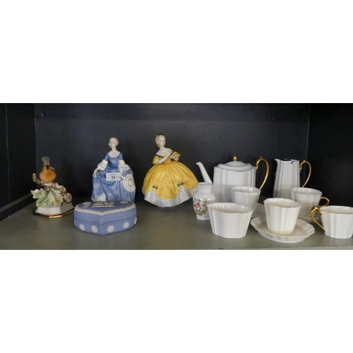 38 - A mixed lot comprising a Wedgwood white and gilt decorated tea set, a Wedgwood Jasperware trinket bo...