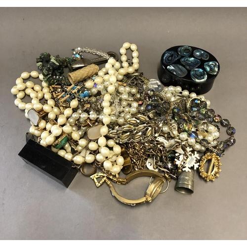 8 - Bag of Costume Jewellery...