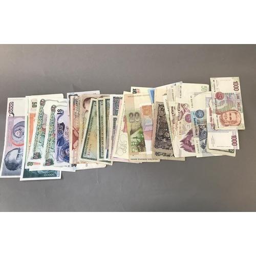 44 - World Bank Notes, Italy etc