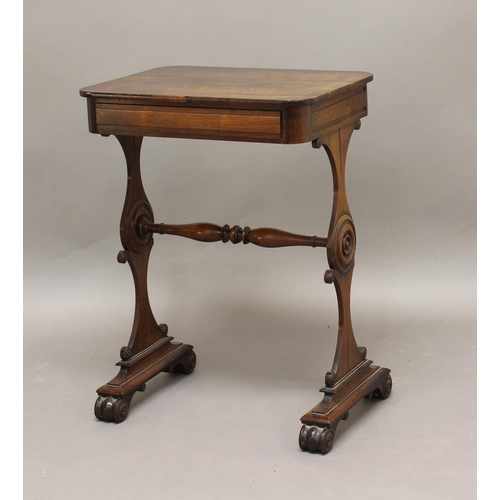 2332 - A REGENCY ROSEWOOD SIDE TABLE IN THE MANNER OF GILLOWS. A Regency rosewood side table with a rectang...