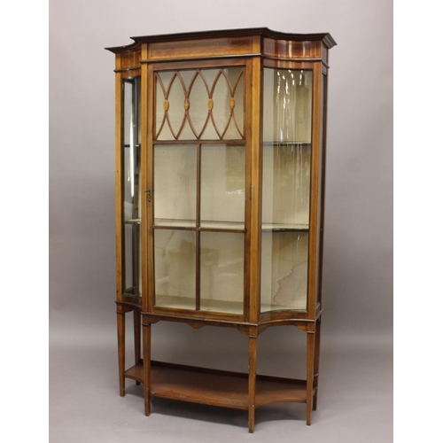 2354 - AN EDWARDIAN SHERATON REVIVAL INLAID MAHOGANY DISPLAY CABINET, the central glazed door flanked by co...