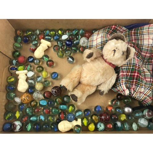 261 - SMALL OLD TEDDY BEAR TOGETHER WITH A QUANTITY OF MIXED AND ASSORTED MARBLES...