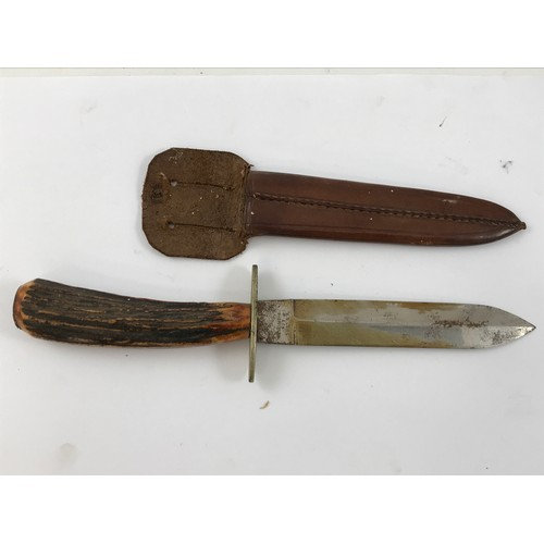 1634 - POSSIBLY WWII COMMANDO DAGGER, AN ANTLER HANDLED DAGGER WITH BLADE BY LONG & CO. SHEFFIELD, BLADE AP...