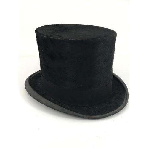 1791 - SILK TOP HAT, E.C.DEVEREUX, ETON, APPROX. SIZES F-R 19.5 cm, WIDTH 16 cm...