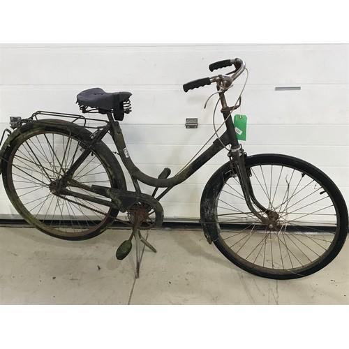 143 - UNUSUAL HOOP FRAME BICYCLE