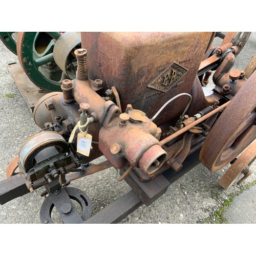611 - A EVERSON SINGLE CYLINDER OPEN CRANK TWIN FLY WHEEL ENGINE NUMBER 4HP TYPE U 400 RPM