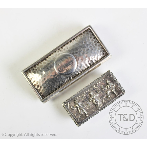 49 - An Edwardian silver snuff box, Marston & Bayliss, Birmingham 1902, of rectangular form embossed with...