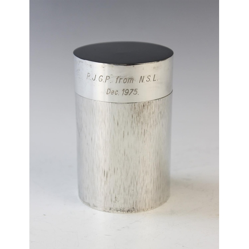 43 - A silver coffee press, Graham Watling, London 1975, of cylindrical form and with typical textured fi...