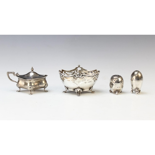 53 - A selection of silver, to include; a cased set of four silver salts and spoons by Harwood, Plant and...