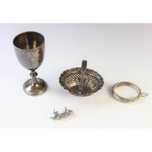 6 - An Edwardian silver swing-handled sweetmeat basket by Henry Matthews, Birmingham 1904, of oval form ...