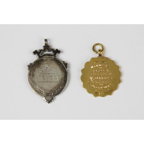 40 - A George V 9ct gold enamelled Salopian fob medal by Thomas Fattorini, Birmingham 1920, of circular f...