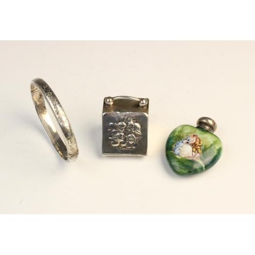 1 - An Edwardian novelty silver thimble box modelled as a coal purdonium by Walker & Hall, Sheffield 190...