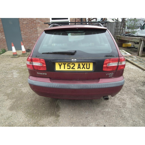 1 - VOLVO V40 2.0L 52 PLATE - SOLD FOR SPARES OR REPAIRS