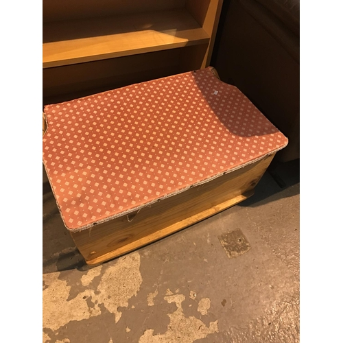 665 - Wooden blanket box...