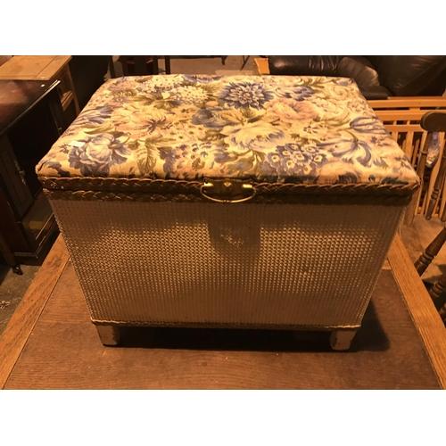 670 - Small Lloyd loom style ottoman...