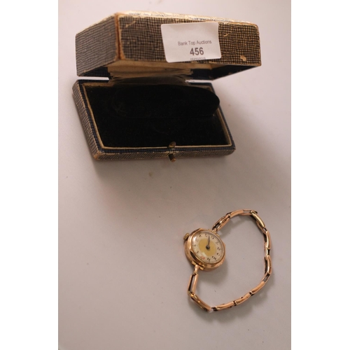 456 - Ladies Wrist watch from the 1950's, 9ct gold, 18.17g in total. In good working order....