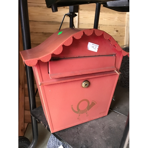 8A - Red post box with keys...