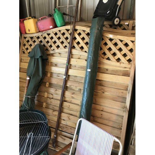 5 - Two 6ft Arch top fence panels...