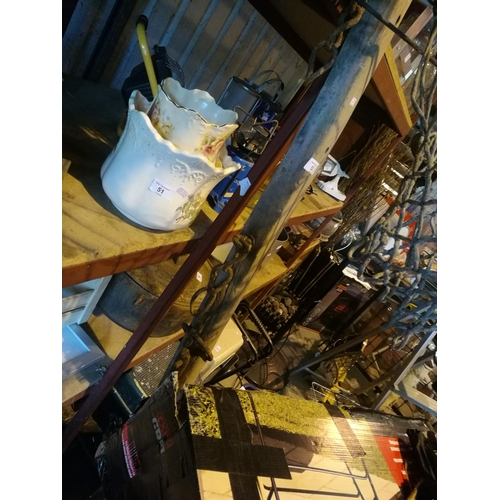 53 - Vintage wooden horse carriage centre shaft...