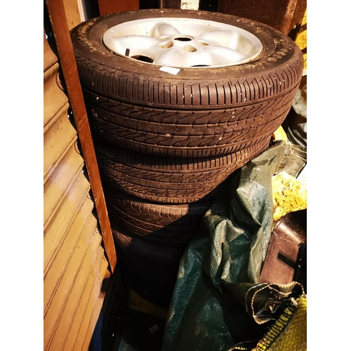 2 - LAND ROVER alloy wheels and tyres 215/65/r16...