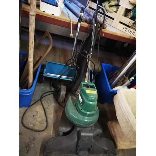 21 - Coopers garden leaf vacuum and garden seed/salt spreader...