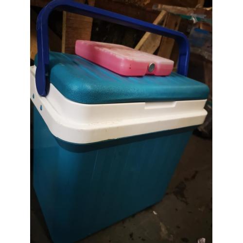 41 - Green gio style cool box...