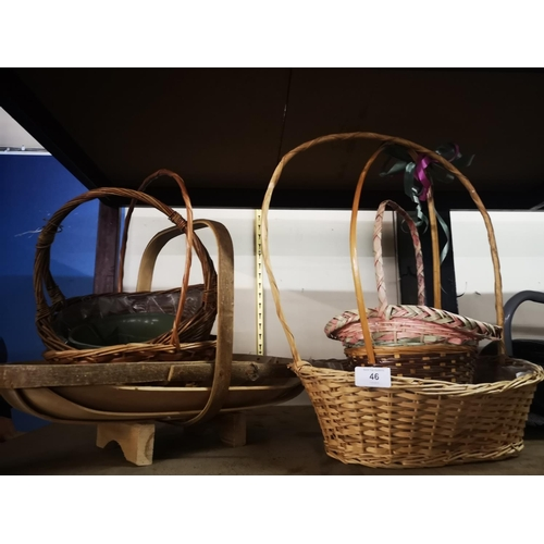 46 - Wooden garden trugg plus collection of wicker baskets...