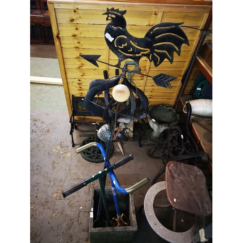 50 - Two garden claws and metal garden items weather vane...