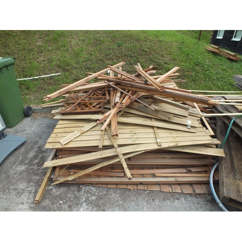 1 - Collection of 6 x 6 fence panels and fence pieces...