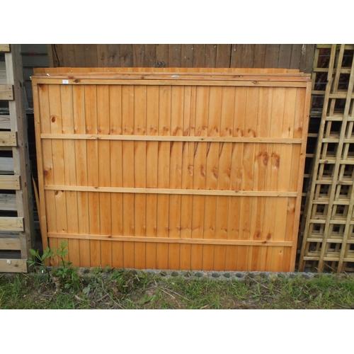 11 - Four 6 x 5 fence panels...