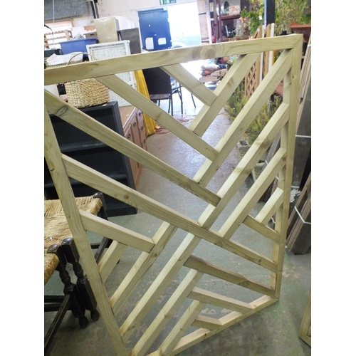 27 - Heavy trellis decking panel approx. 4 x 3...