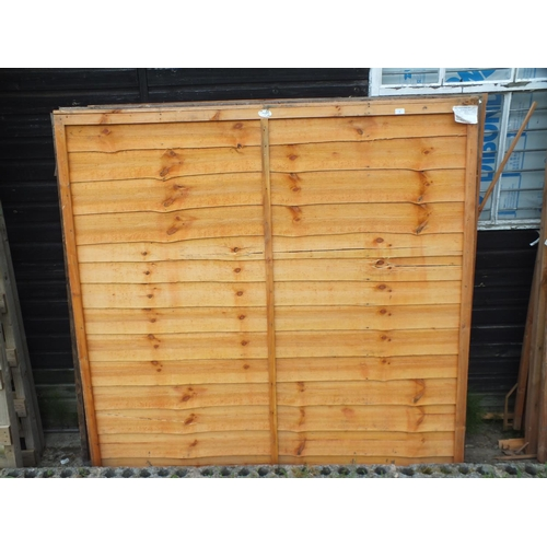 3 - Five mixed 6 x 6 fence panels...