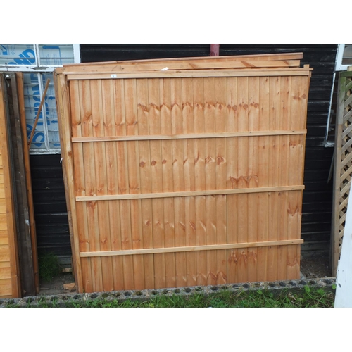 4 - Five 6 x 6 Fence panels....